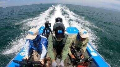 Pesca em Paraty - Xaréu-olhudo e robalo são fisgados nas encostas rochosas das ilhas preservadas.