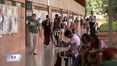 Cotas democratizam acesso à universidade em Brasília - O número de alunos da rede pública aumenta a cada ano na UnB.