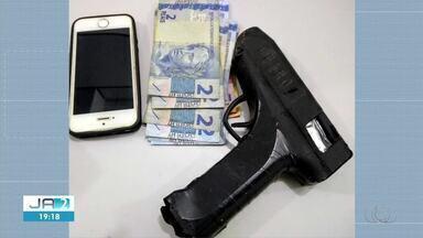 Suspeitos de assaltar bar usando pistola de cola quente são presos em Palmas - Suspeitos de assaltar bar usando pistola de cola quente são presos em Palmas