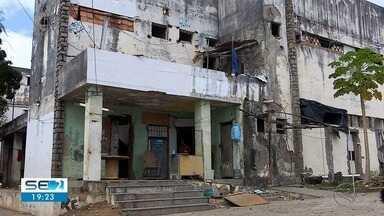 Prazo para famílias deixarem antiga Clínica Santa Maria está acabando - Defesa Civil de Aracaju pediu demolição do prédio.