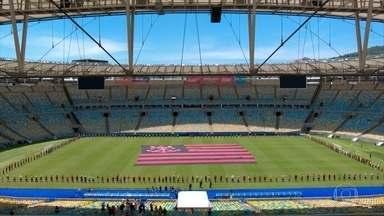 Maracanã abre os portões e faz homenagem a meninos mortos no CT do Flamengo - No domingo em que o futebol está de luto, o Maracanã abriu os portões para a maior torcida do Brasil: a que acolhe mais sonhos.