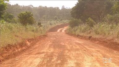 Agricultores realizam mutirão para recuperar rodovias no sul do MA - Se o serviço não fosse feito agora, os agricultores poderiam perder boa parte da produção no campo