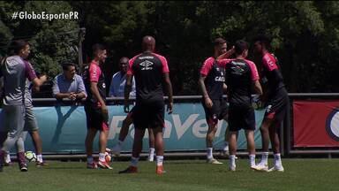 Athletico faz primeiro teste de olho na Libertadores - Amistoso contra o General Díaz, do Paraguai, serve para apresentar o time para a torcida e para importantes avaliações de Tiago Nunes