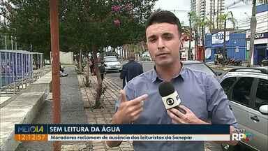 Falta de leituristas da Sanepar gera reclamação em moradores de Ponta Grossa - Mesmo com o registro de água do lado de fora dos imóveis, moradores comentam que a leitura não foi feita.