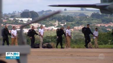 Integrantes de facção criminosa são transferidos para presídios federais - Detentos estavam presos na região de Presidente Prudente.