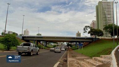 Prefeitura começa vistoria inédita em viadutos de Campo Grande - Viaduto da UFMS será monitorado por equipamentos e manutenção no da Afonso Pena começa na quinta-feira (14).