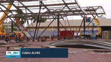 Reforma do terminal de ônibus de Macaé, RJ, ainda causa transtorno para população - Assista a seguir.