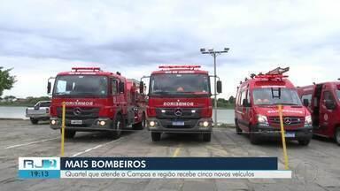 Quartel dos bombeiros que atende a Campos, RJ, e região recebe cinco novos veículos - Assista a seguir.