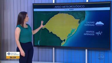 Tempo: sexta-feira (15) deve ser marcada pela chuva no RS - Veja como fica a previsão.
