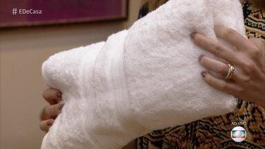 Aprenda a deixar as toalhas de banho macias - Juliana Campos dá a dica para transformar a sua toalha de banho comum em uma toalha macia como aquelas que você vê nas novelas