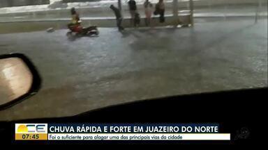 Chuva alaga ruas em Juazeiro do Norte - Segundo a Funceme, choveu apenas 7 milímetros na cidade