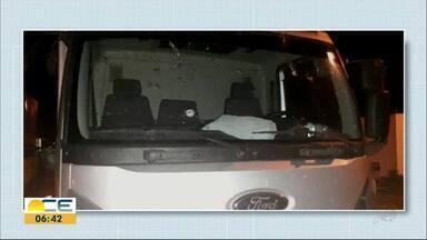 Ajudante de caminhoneiro morre em tentativa de assalto - Caminhão estava na estrada quando homens armados anunciaram o assalto.