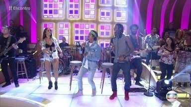 Carrossel de Emoções canta 'Superlike' - Banda grava hit com Thiago Brava