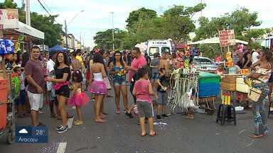 Bloquinhos de rua fizeram a festa de foliões em Aracaju - Clima de Carnaval já tomou conta da capital.