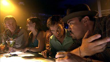 Amor ao Estilo Americano - A equipe avança nas investigações quando uma das vítimas do assassino do caminhão de gelo é encontrada viva. E Dexter enfrenta problemas ao perseguir um traficante.