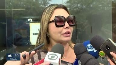 Mulher é assassinada a tiros por ordem do namorado em São João de Meriti - E paisagista espancada na Barra da Tijuca foi ao IML para fazer exames de corpo de delito. Justiça aceitou denúncia contra Vinícius Serra e exames psiquiátricos descartaram alegação de surto psicótico.