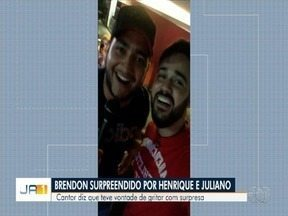 Cantor conta que ficou surpreso com 'invasão' de Henrique e Juliano em show, em Goiânia - Brendon Sales tinha sido informado que se tratava de uma dupla desconhecida que estava no início da carreira.