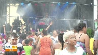 Foliões fazem a festa em Araçoiaba, Vitória de Santo Antão, Rio Formoso e Barreiros - Não falta animação no carnaval dessas cidades pernambucanas.