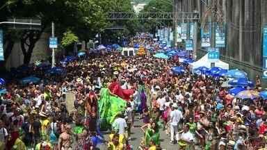 No Rio, blocos arrastaram para a folia mais de três milhões, diz prefeitura - Nesta terça-feira gorda, desfilaram 74 blocos. Confusão fez o bloco Fervo da Lud terminar mais cedo: 200 pessoas receberam atendimento médico.