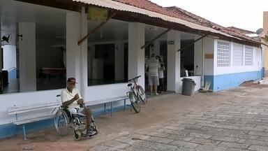 Idosos recebem atenção especial para evitar contágio pela dengue em Bauru - Em Bauru, cidade que vive uma epidemia de dengue, os pacientes que mais preocupam são as crianças e os idosos. No asilo da Vila Vicentina, por exemplo, os cuidados foram intensificados para proteger os 80 idosos que vivem no local.