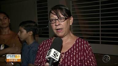 Moradores reclamam de quedas de energia em Caruaru - Problema está causando prejuízos aos moradores.