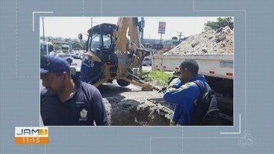 Obra em rua afeta fluxo de veículos no Centro de Manaus - Obra está sendo realizada na avenida Cosme Ferreira.
