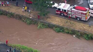 Bombeiros localizam corpo de mulher no Tietê - Vítima desapareceu na terça-feira (12) em Guaianases durante o temporal