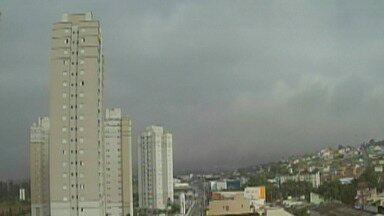 Alto Tietê pode ter pancadas de chuva no final de semana - Previsão aponta que tempo pode melhorar a partir de segunda-feira (18).