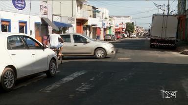 Acidente deixa semáforo sem funcionar em avenida em Imperatriz - Ano de 2018 Samu registrou mais de 2 mil e 500 acidentes em cruzamentos no município onde são bem sinalizados.