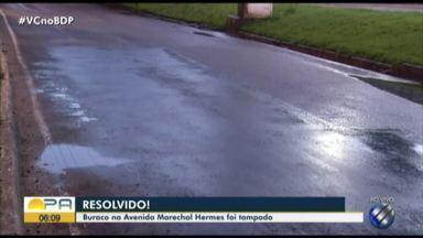 Prefeitura realiza reparo em Buraco na avenida Marechal Hermes - O buraco estava trazendo grandes trantornos para os motoristas.
