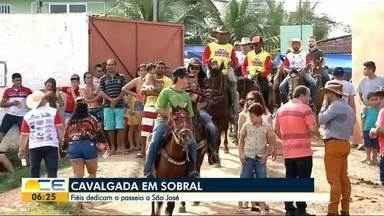 Devotos de São José participam de cavalgada em Sobral - Eles vão até a localidade de São José do Torto para se divertir e agradecer ao santo.