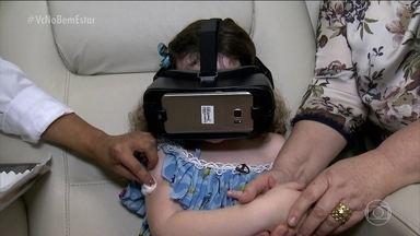 Vacina virtual transforma a hora da picada em momento divertido - As crianças entram em uma realidade virtual. Elas acabam tendo um estado de benefício, relaxando a musculatura e podem reduzir até a reação adversa.