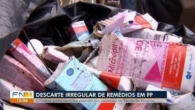 Medicamentos vencidos são encontrados em caçamba de lixo - Vigilância Sanitária apreendeu os produtos no bairro Terras de Imoplan, em Presidente Prudente.