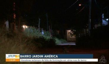 Escuridão no bairro Marabaixo 4 na comunidade Jardim América preocupa, em Macapá - Moradores reclamam da falta de iluminação em várias ruas do bairro.