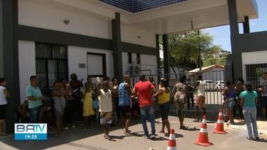 Protestos em órgãos públicos marcam a segunda-feira (18), em Salvador - A manifestação dos enfermeiros buscavam pagamento das indenizações enquanto os moradores buscam respostas sobre a reintegração de posse no bairro e por fim os parentes e amigos do menino morto em ação da Polícia Militar buscam justiça.
