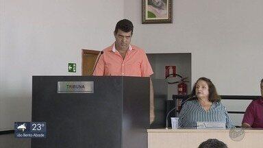Vice assume prefeitura após prefeito ter direitos políticos suspensos em Bandeira do Sul - Vice volta a assumir prefeitura após prefeito ter direitos políticos suspensos em Bandeira do Sul