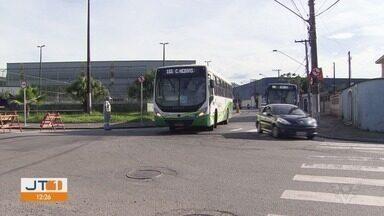 Moradores do bairro Vila Haddad, em Santos, SP, pedem mais segurança no trânsito - Com as obras da entrada da cidade, moradores afirmam estarem enfrentando dificuldades para atravessar as ruas.