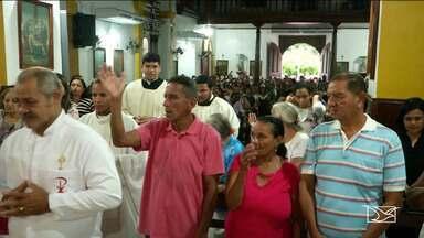 Fiéis participam de homenagens a São José em Caxias - Missas e uma procissão marcaram o encerramento da programação dedicada ao padroeiro da cidade.