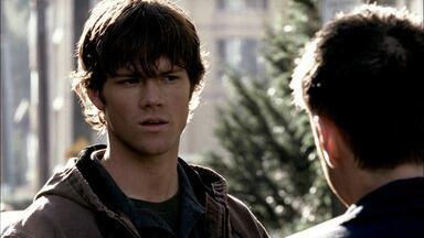Pele - Sam e Dean descobrem que um metaformo está adotando a semelhança dos outros e assassinando pessoas. Juntos, eles ajudam uma antiga colega de faculdade de Sam.