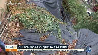 Temporal: moradores reclamam da falta de encostas na Fazenda Grande do Retiro, em Salvador - O primeiro dia do outono chegou com chuva no estado.