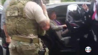 Ex-presidente Michel Temer é preso pela Lava Jato - O ex-presidente Michel Temer está preso em São Paulo pela Operação Lava-Jato. Ele está em uma base aérea da Polícia Federal, no Aeroporto de Guarulhos.