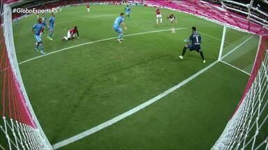 Após perder inúmeras chances de gol, Inter vence Novo Hamburgo por 2x0 - Assista ao vídeo.
