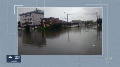 Chuvas causou vários pontos de alagamento na Baixada Santista - Telespectadores mandaram vídeos mostrando pontos de alagamento na região.