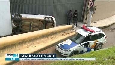 Corpo de jovem morto em sequestro é velado e enterrado em Aracruz, ES - Vinícius Vieira dos Santos, de 20 anos, foi sequestrado com a namorada. Durante perseguição, houve um acidente e ele morreu.