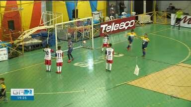 Confira como foi a abertura da Copa TV Grande Rio de Futsal neste sábado na Quadra do Sesc - A bola já começou a rolar na Quadra do Sesc.