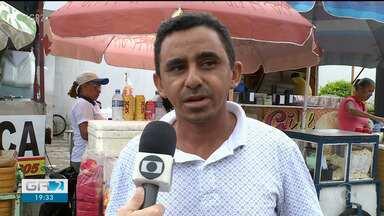 Ambulantes aproveitam a Copa TV Grande Rio para faturar - A Copa TV Grande Rio também gera uma renda extra para ambulantes de Petrolina.