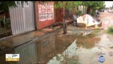Moradores do bairro Matadouro sofrem com alagamentos - Moradores do bairro Matadouro sofrem com alagamentos