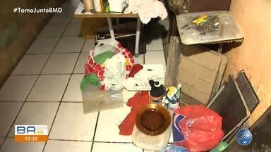 Chuva causa prejuízos e alaga casas em Salvador - Uma chuva forte atinge a cidade nesta segunda-feira (25).