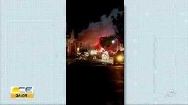 Princípio de incêndio assusta moradores de Ipueiras - A suspeita é que tenha acontecido um curto-circuito em uma agência bancária.