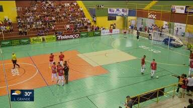 Três jogos e muitos gols marcam primeira segunda-feira de partidas da Copa TV Grande Rio - Os jogos estão sendo realizados no Sesc, em Petrolina.